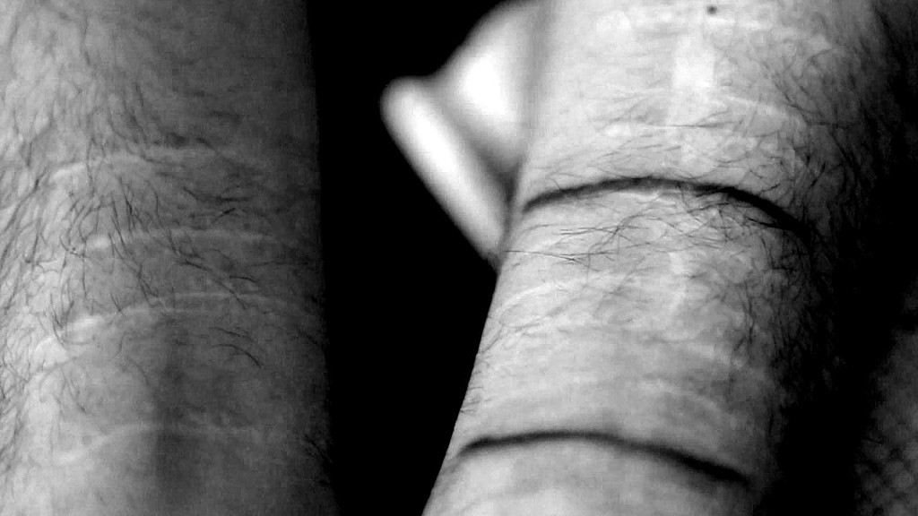 Жертва пыток.MP4_snapshot_01.03_[2016.05.05_22.55.41]